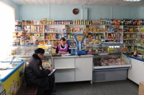 На Урале два алкоголика с гранатой взяли штурмом винный магазин