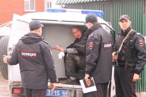 В Екатеринбурге мнимый больной напал с ножом на бригаду скорой