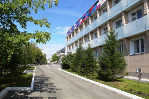 РМК открыла в Карабаше спорткомплекс за 280 млн рублей
